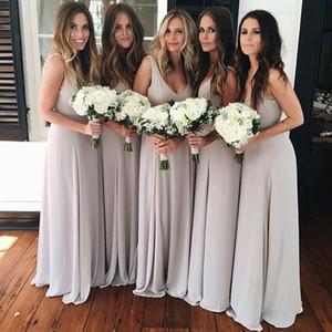 Simple Silver Beach Brautjungfer Kleider 2018 V-Ausschnitt Eine Linie bodenlangen Chiffon Prom Party Kleider für Hochzeit Gast billig angepasst