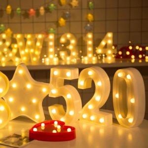 Pop regalo del día de San Valentín LED luminoso Carta 520 Números del partido luz de la noche creativa de la lámpara de la batería del alfabeto boda romántica luces decorativas