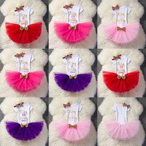 Bebek mektubu kıyafetler kızlar Sequins Bow kafa + mektup romper + TuTu dantel etekler 3 adet / takım Butik çocuk Doğum Günü partisi Giyim Setleri C3593