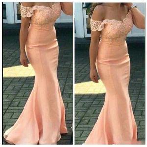 2021 Дешевые платья подружки невесты с плечевой кружевной аппликацией Русалка длина пола Формальная горничная горничная почва платья Vestidos de bridemaids