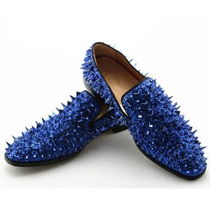 2021 Diseñador de lujo para hombre azul mocasines azules Rivet Glitter Red Casual Sparkle Gold Silver Spiked Spiked Body Shoes Studded Black Shoes Hombres Aukix