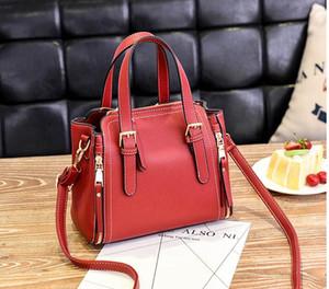 Free send Hot 2018 autumn and winter new style women's bag Korean handbag Fashion The single shoulder bag