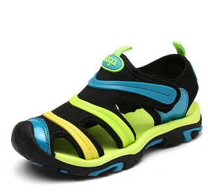 Дети летние сандалии новый дизайнер дети квартиры дышащий анти-скользкий мальчики девочки закрытый носок тапочки сандалии мода обувь