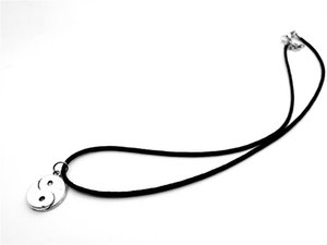 Mignon style chinois Taiji Bagua collier pendentif Skyrim fantastique Ying Yang Tai Chi Gossip Colliers corde en cuir