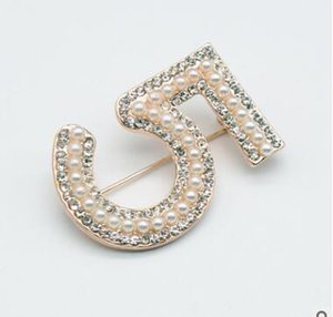 Europa y América Broches de diseño de lujo Broches Chapados en oro Últimos Broches para hombres Mujeres para boda de fiesta Niza G
