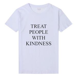 O-cou Harry Styles Traiter Les Gens avec Bonté T-Shirt Femmes Mode Lettre Imprimé T-shirt Femme Asual Jaune Tee Femelle Tee Tops