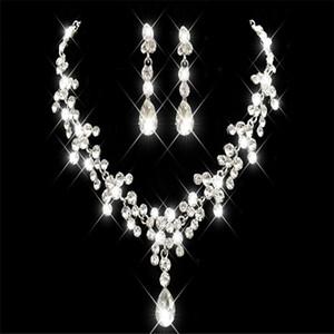 Pas cher Strass Faux Perles Ensembles De Bijoux De Mariée Boucles D'oreilles Collier Cristal Nuptiale Prom Party Pageant Filles Accessoires De Mariage Livraison Gratuite