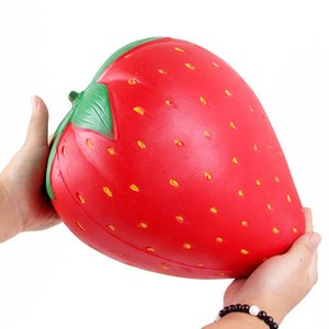 Kawaii antiestrés Squishy Jumbo Strawberry Squeeze Slow Lising Lanyard correa para el cuello llavero Charm Cake perfumado al por mayor