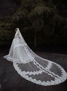 Custom Made Véus De Noiva 3 M Comprimento 2.5 M Largura Lace Appliqued Brida Véus Com Pente Um Camadas Longo Casamento Acessórios Para o Cabelo