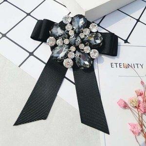 Corée Mode Cravate Style Broche Pins Cristal Strass Fleur Bowknot Broches Corsage Femmes Costume Chemise Accessoires Bijoux