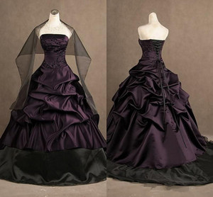 Victorian Gothic Embroidery Prom Dresses Beaded Pleats Strapless Ball Gown Taffeta Purple and Black Evening Dress Quinceanera Dresses P003