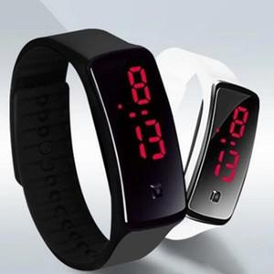 Yeni Moda Spor LED Saatler Şeker Jelly erkekler kadınlar Silikon Kauçuk Dokunmatik Ekran Dijital Saatler Bilezik Bilek İzle