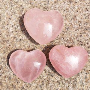 5 pcs Natural Rosa de Quartzo Em Forma de Coração Rosa de Cristal Esculpido Palma Do Amor Amante de Pedras Preciosas de Cura Pedra Gesso Coração de Cristal Gems