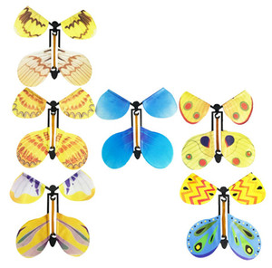 Creative Magic Flying Butterfly Cambia con le mani vuote Libertà Butterfly Puntelli magici Trucchi magici Classic Wind Up Swallow Tail Butterfly