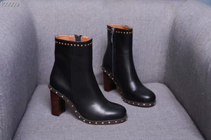 Perçinler Kadın Martin Çizmeler Sonbahar Kadın Şövalye Patik Ayak Bileği Motosiklet Çizmeler Gerçek Deri Pist Ayakkabı Studdes Tıknaz Topuklu Bayanlar Zapatos