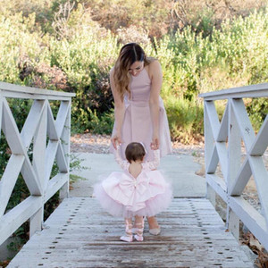 Lovely Little Flower Girls Vestidos para bodas con lazo sin respaldo de manga larga New Mother of the Bride Dresses
