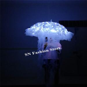 YC22 Ballroom Dance führte Kostüme weißes Licht Jellyfish leuchtende Requisiten Laufsteg Performance trägt Kleider Outfit DJ Kleidung Party Event Disco