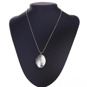 Collana con medaglione Fantasie floreali Intagliato Ovale Immagine Memento Collana Gioielli di lusso Metti foto Scatola Collana pendente aperto