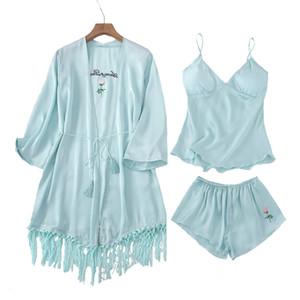 Summer Ice Silk 3 UNIDS Conjunto de Ropa de Dormir Para Lady Rose Bordado CamiShortsRobe Home Wear Traje Casual Pijamas Mujeres Lencería L-XL