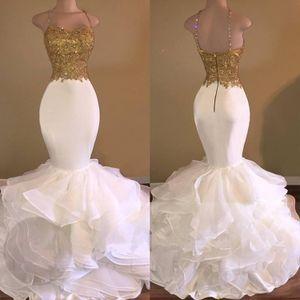 Barrido trenes cremallera trasero falda con cuello con cuentas espagueti correas de encaje apliquen vestido de fiesta oro y blanco vestidos de noche sirena