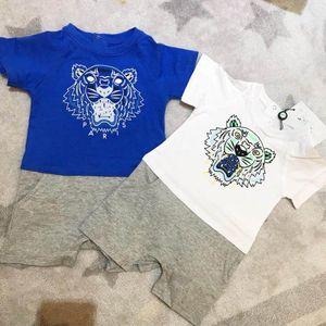 Neue Babyjungenkleinkleidung nette Karikaturbabyspielanzugqualitätsbaumwolleinteilige neugeborene Babykleidung des Overalls