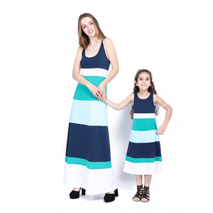 Mère Fille Matcing Robes 3 Couleurs Fendue Joint Longue Robe Filles Simple Longuette Plage Robe Robes D'anniversaire