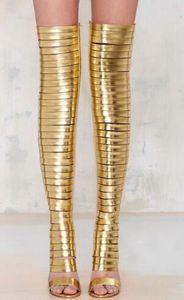 2018 Mulheres da moda botas Joelho Botas de Ouro de Alta Gladiador Botas de Ouro fino Mulheres dedo aberto Coxa Botas Altas calcanhar fino