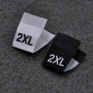 100pcs / lot vêtement tissé satin étiquettes de taille étiquette de taille de tissu XS-5XL VÊTEMENT TAILLE ÉTIQUETTE à coudre étiquette bateau gratuit