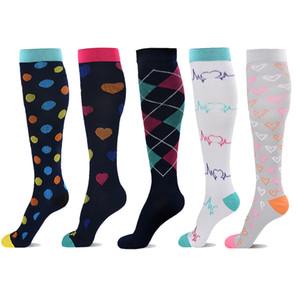 5 paires de chaussettes de compression pour Femmes Hommes 20-30 mmHg - Bas de compression Meilleur pour la course, Crossfit, Voyage, infirmière, maternité Pregna