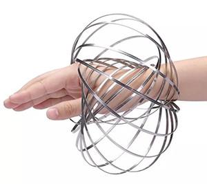 Juguetes para niños Nuevos anillos de flujo Acero inoxidable Cinético Metal Toroflux Anillo mágico de flujo Anillo de escultura 3D Juguetes interactivos divertidos para niños Juguete para bebés