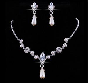 2018 Crystal Drop Perlen versilbert Halskette Imitation Ohrringe Hochzeit Schmuck-Sets für Braut Brautjungfern Frauen Braut-Accessoires