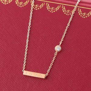 AMOUR Pendentif carré avec Singel CZ diamant couleur rose Collier pour femmes Vintage collier bijoux fantaisie avec coffret d'origine