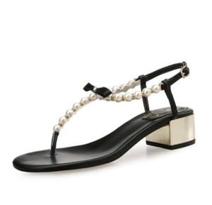 Beiläufige Pantoffel der Frauen flache reizvolle Designer klassische Luxuxperle bördelt Art und Weisemarke Sommer-Strand Bogen-Sandelholzpantoffel