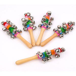 Bastone di legno Nuovo stile Jingle Bells Arcobaleno Mano Shake Sound Bell Rattles Baby Educational Toy 18cm C4203