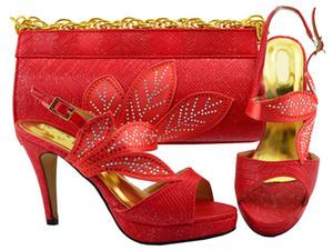 As folhas maravilhosas projetam bombas vermelhas do wemon com os calçados africanos do cristal de rocha combinam o ajustado bolsa para o vestido MM1068, salto 10.5CM