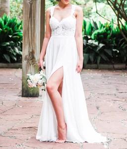 Robes de mariée sur le côté fendu en dentelle à manches capuchon en dentelle au dos d'une jupe en mousseline de soie haut de gamme