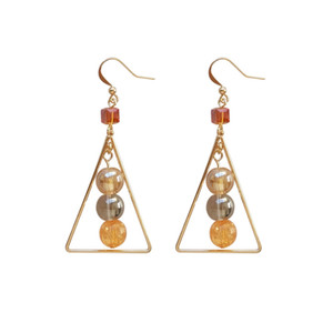 Nueva moda Original temperamento del diseño pequeño Bourgeois Champagne Beads triángulo geométrico pendientes Crystal Square pendientes accesorios del oído