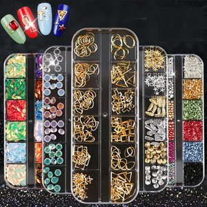 12 Rejillas Mix Nail Rivets Bar AB Piedras de imitación Cadena Punk Mermaid Beads Cuentas de Cobre 3D Nail Art Decoraciones