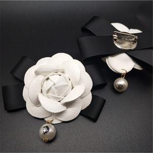 6.5 cm Beyaz Camelia Çiçek Broş Kadınlar Kamelya Broşlar Iğneler Ünlü Marka Inci Kolye Beyaz Çiçek Broş Pin Düğün Için