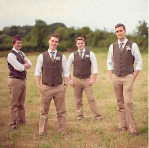 2018 سترات العريس البني رخيصة تفصيل بدلة رجالي لحضور حفل زفاف يتأهل رفقاء العريس البدلات الرسمية السترة