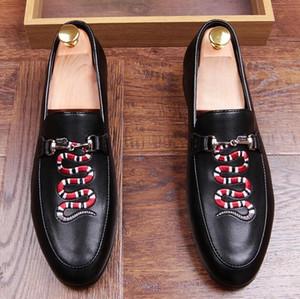 Mens Business Hochzeit Arbeit Kleid helle echte Lederschuhe zeigen Zehe Oxford Serpentin Stickerei Mode Zapatos Hombres a15