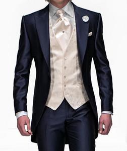 Swallowtail Erkekler Suits Bir Düğme Şal Yaka 3 Parça Suits (Ceket + Pantolon + Yelek) Moda Yakışıklı Düğün Smokin için