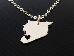 10 pcs Ásia País Syria Mapa Colar Pingente Charme Sírios Orgulho I Love Capital do coração da Síria Damasco Cidade Colares para Presente Da Lembrança