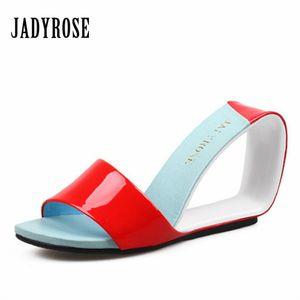 Оптовая Красный новый летний женщины сандалии высокий каблук повседневная Fretwork клинья партия пляжная обувь женщина насосы Гладиатор кожаные тапочки