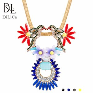 wholesale Women Bohemian Necklace Pendant Crystal Bird Flower Bib Statement Necklaces for Ladies Vintage Chunky Necklace Choker