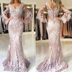 2018 Modest Dusty Pink Prom Dresses Maniche lunghe Poet Applique in pizzo con scollo a V Sirena Sweep Train Ribbon Evening Formal Wear Custom Made
