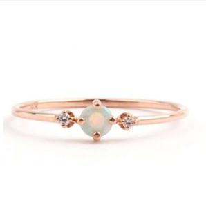 Piccola pietra fuoco opale anelli sottile arcobaleno per le donne in oro rosa zircone cubico Birthstone strass semplici anelli anel gioielli Z5