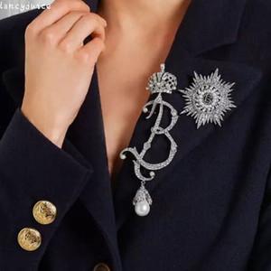 خمر كريستال ولي بروش كامل حجر الراين لؤلؤة إلكتروني كبير بروش دبوس العروس الفضة شخصية الإناث الاكسسوارات والمجوهرات