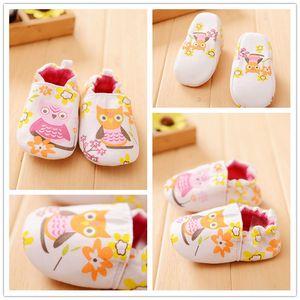 INS Hot Bebê Desodorante De Desodorante Absorção De Suor De Algodão Interior Multi-padrão Animal Dos Desenhos Animados Sapatos Da Criança Do Bebê Macio Walker Sapatos 13 Projetos