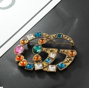 Multicolor Cristal Letras Broche de Luxo Retro Vintage Designer Broche para Mulheres Meninas Moda Jóias Presente de Alta Qualidade